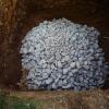 Ein sorgfältig gelegter Steinkegel